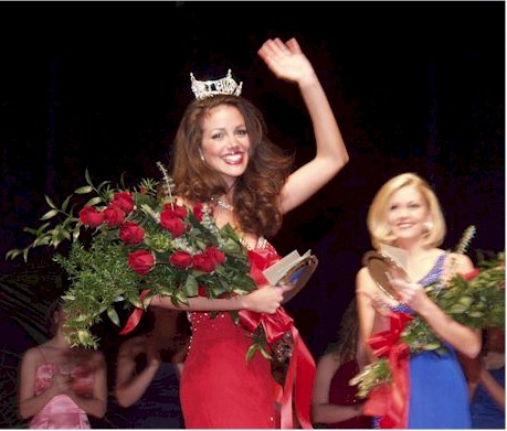 Tiffany Dupont Waves Miss University of Georgia